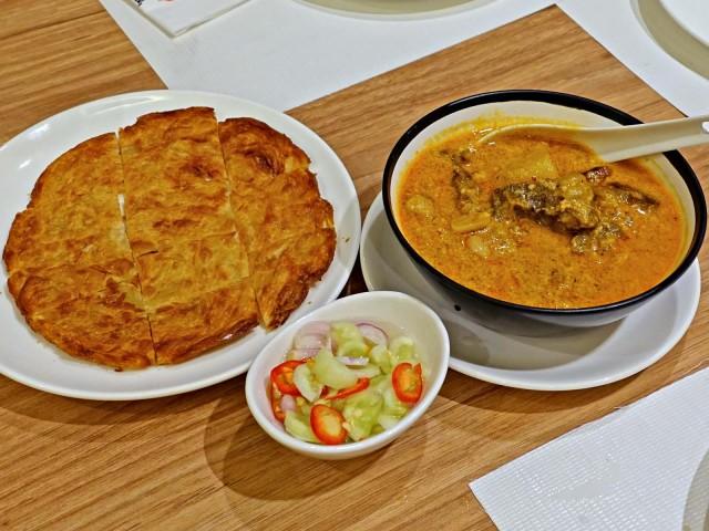 massaman curry beef tongue and roti
